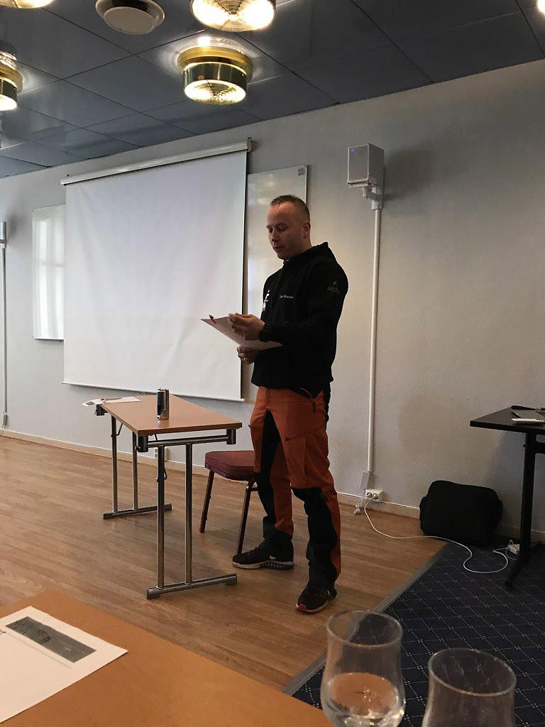 Jon Steinar holder foredrag på forespørsel om diverse jakter og jaktformer